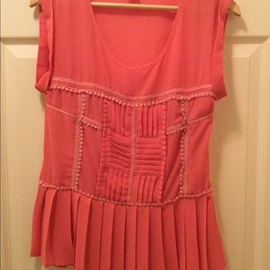 Esley Peach Short Cap Sleeve Pleated Top.  Sz M
